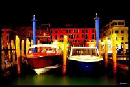 bateau-venitien-nocturne