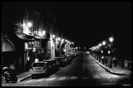 quai-parisien-by-night