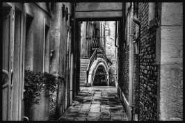 ruelle-et-pont-venitien